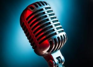 ID-100167836 (2)-Microphone by sippakorn